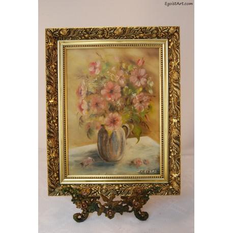 Różowy bukiet kwiatów w wazonie