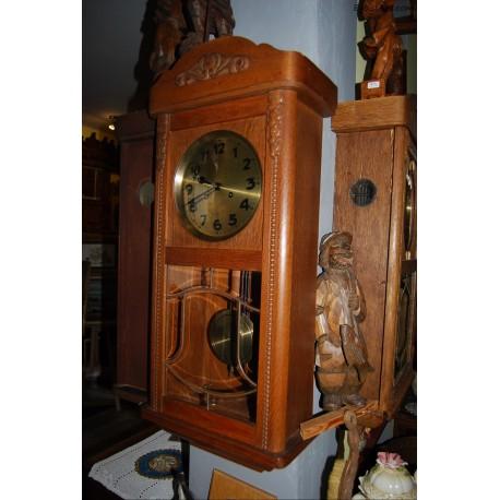 Niemiecki zegar skrzynkowy