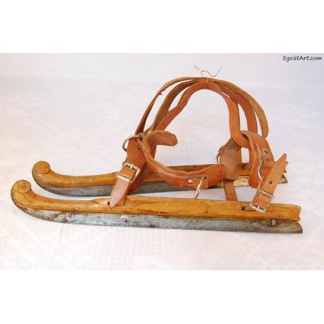 Drewniane łyżwy sygnowane