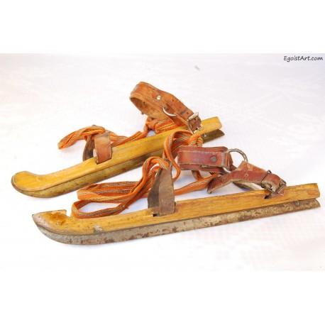 Stare drewniane łyżwy