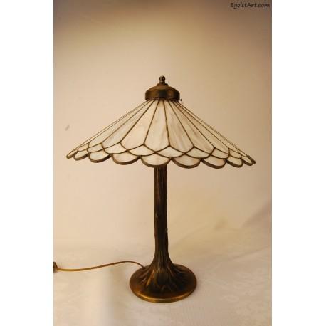 Lampa mosiężna z kloszem witrażowym