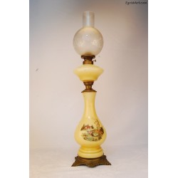 Szklana lampa naftowa