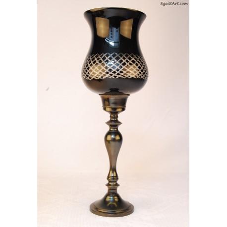 Szklany lampion w kształcie kielicha