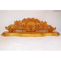 Ozdobna półka drewniana
