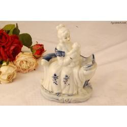 Figurka ceramiczna matki z dzieckiem