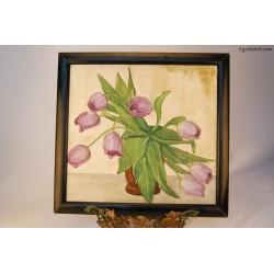Fioletowe tulipany w wazonie