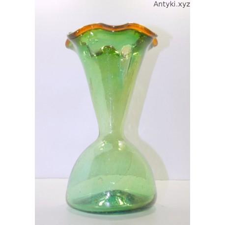 Wazon zielony ręcznie formowany