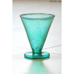 Szmaragdowy kielich - puchar - szklanica.