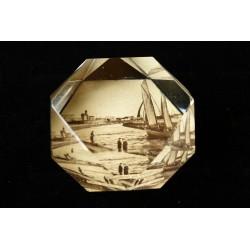 Kolberg - szklany przycisk do papieru