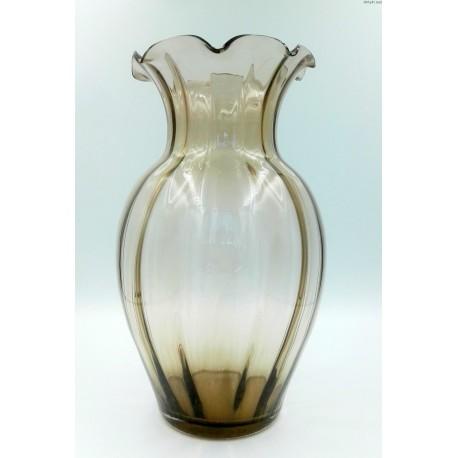 Duży stary brązowy kanelowany wazon