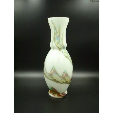 Duzy mleczny wazon