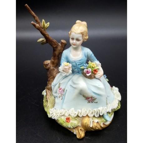 Capodimonte figurka dziewczynki