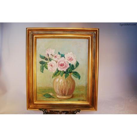 Róże w glinianym wazonie