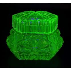 Uranowa kryształowa szkatułka