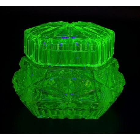 Uranowy pojemnik szkatułka